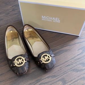 Michael Kors Fulton Moc brown flats